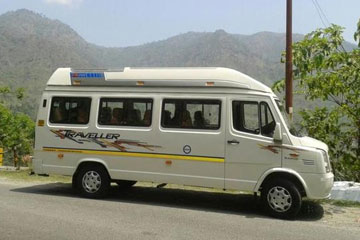 17 Seater Tempo Traveller in Amritsar