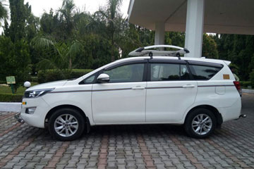 Innova Crysta Taxi hire in Amritsar